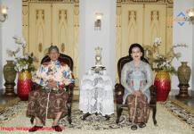 Raja Yogyakarta Sri Sultan HB X dan GKR Hemas