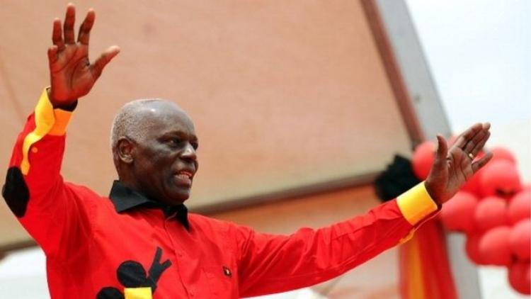 Angola: José Eduardo dos Santos quitte officiellement la vie politique angolaise