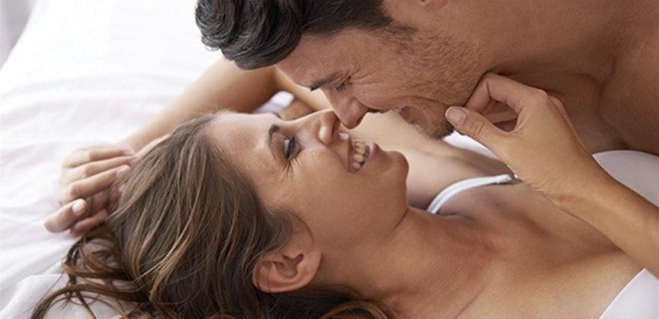 للمتزوجين فقط: لهذه أسباب يتوقف الأزواج بعد فترة عن تبادل القبلات!