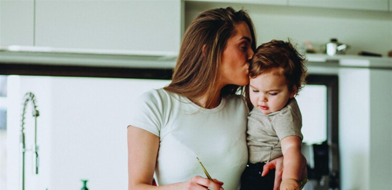 لا تهملي صحتك.. نصائح غذائية للأمّهات بمختلف الأعمار