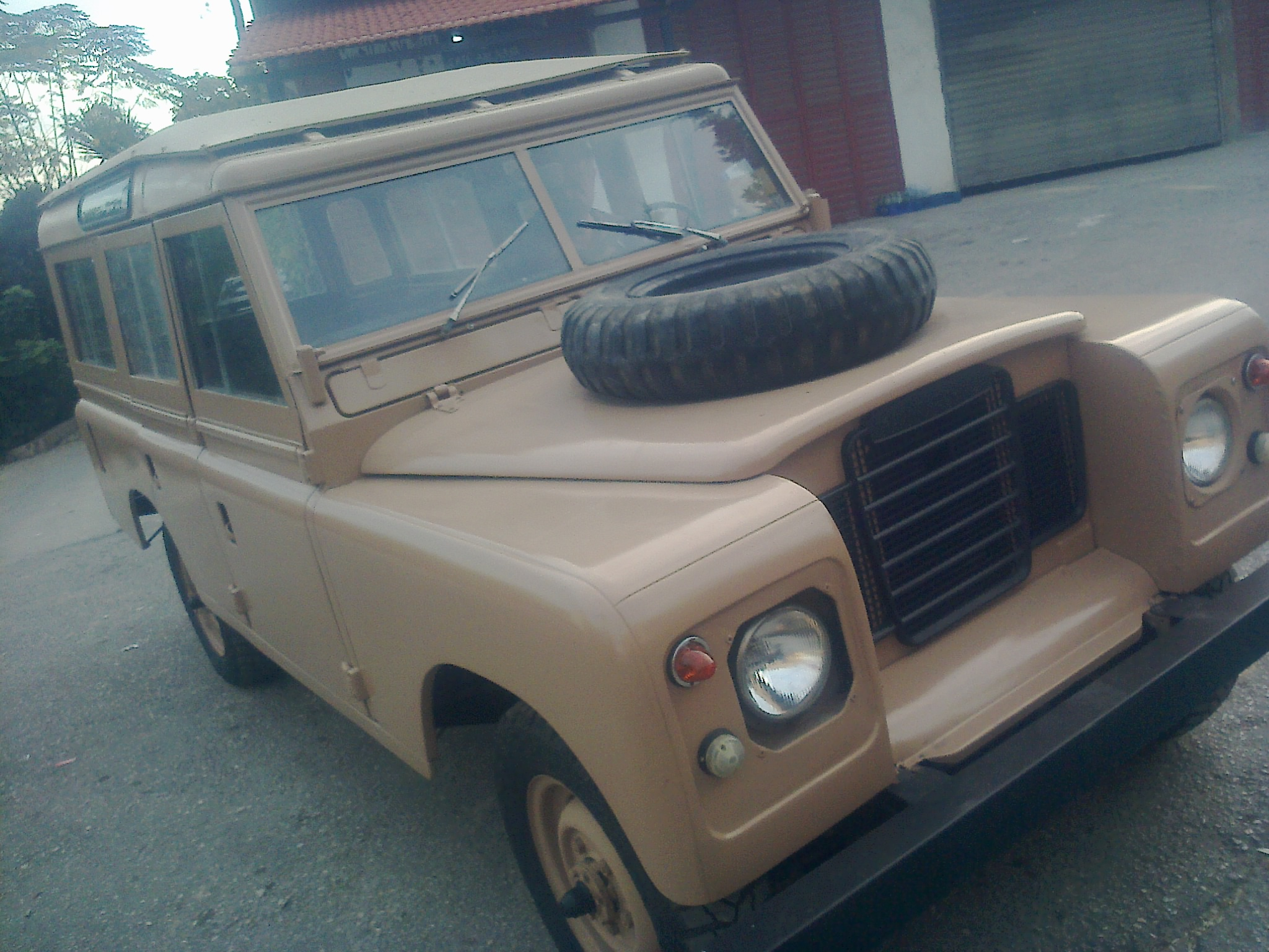 Lebanon fRoad – FOR SALE LAND ROVER III SERIES VERY GOOD