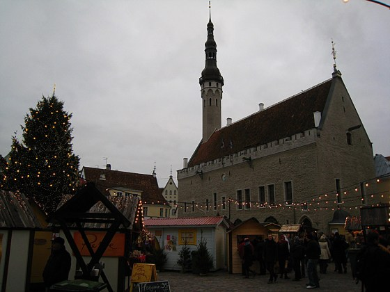Back in Tallinn, and it's populated! The atmosphere was much more comfortable.