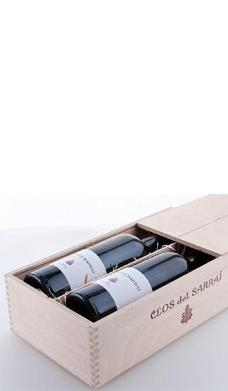 Zwei Flaschen in der Clos del Sarrai Holzkiste aus naturbelassenem Birkensperrholz mit Schiebedeckel 2013 Trossos del Priorat