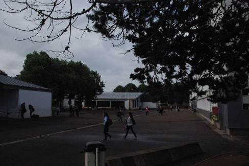Peu d'élèves ont fréquenté le collège du fait du mouvement de grève des personnels enseignants. - FLAMBRY Jean-Paul