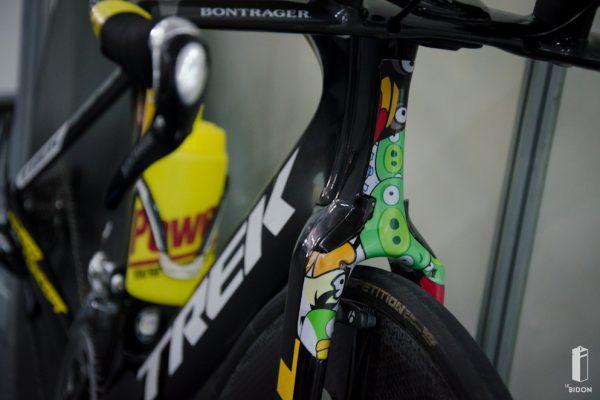 Angry birds, angry bike