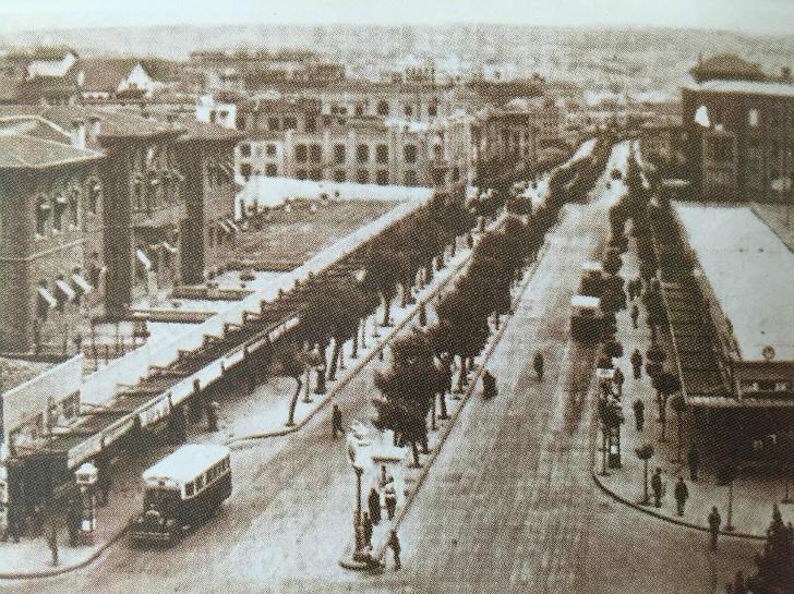 Bankalar Caddesi - 1932