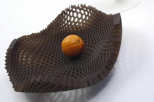 Coupe de fruits nid dabeilles Black Honey  Arik Levy