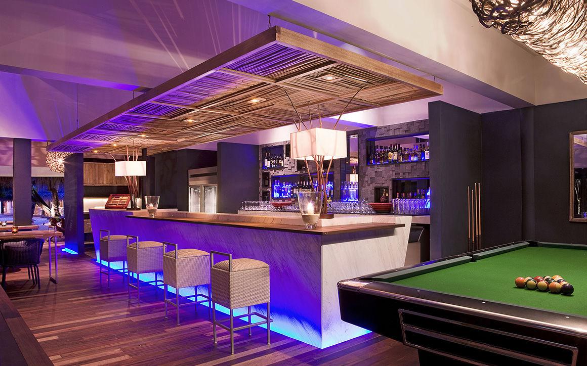 Hotel Vivanta By Taj Coral Reef Aux Maldives Bar Lounge