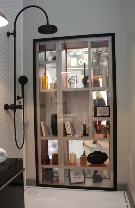 salle-de-bain-Chambre-306-par-Faburel-Gain-douche