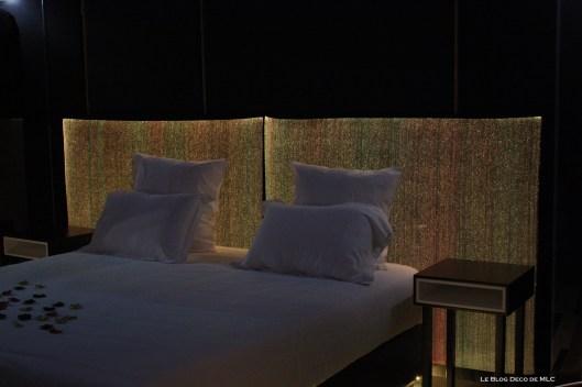 t te de lit design lumineuse. Black Bedroom Furniture Sets. Home Design Ideas