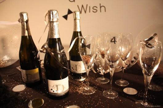 Une-déco-sur-son-31-pour-le-réveillon-du-nouvel-an-champagne-et-verres