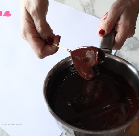 DIY-ST-Valentin-Coeur-gourmand-pate-coeur-chocolat
