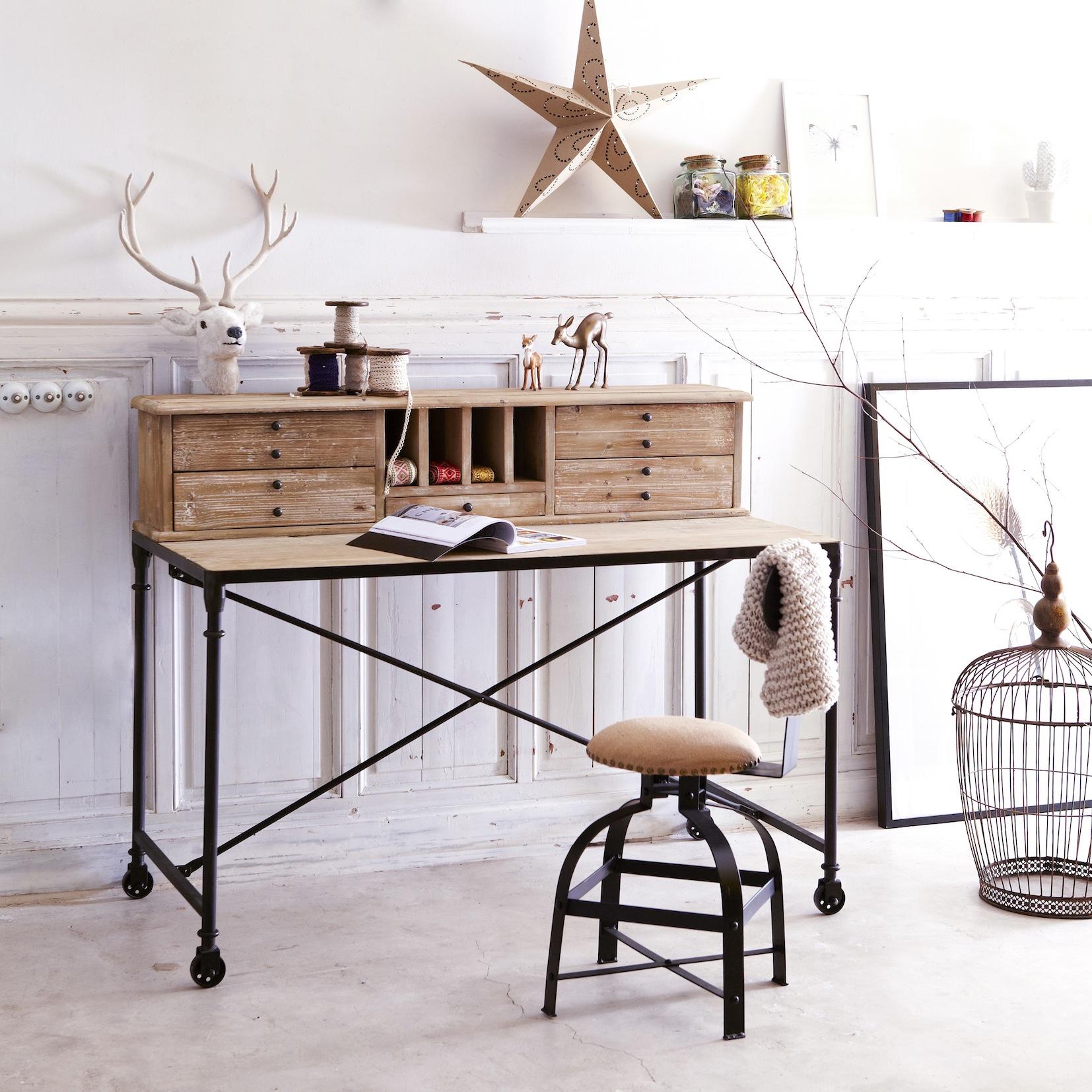 Les meubles en bois brut dans la déco