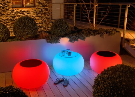Les-10-plus-jolies-petites-tables-basses-rondes-Bubble-outdoor-LED