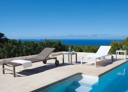 Une-jolie-sélection-de-mobilier-extérieur-chaise-longue-Antalya