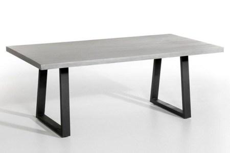 Une-jolie-sélection-de-mobilier-extérieur-table-lester-ampm