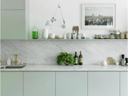 Cuisine-Bleu-vert-menthe-Quelle couleur-choisir-pour-rénovation-marbre-valerie-mazerat