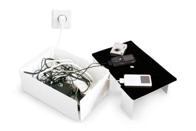 cache-cables-métal-boîte-ouvert