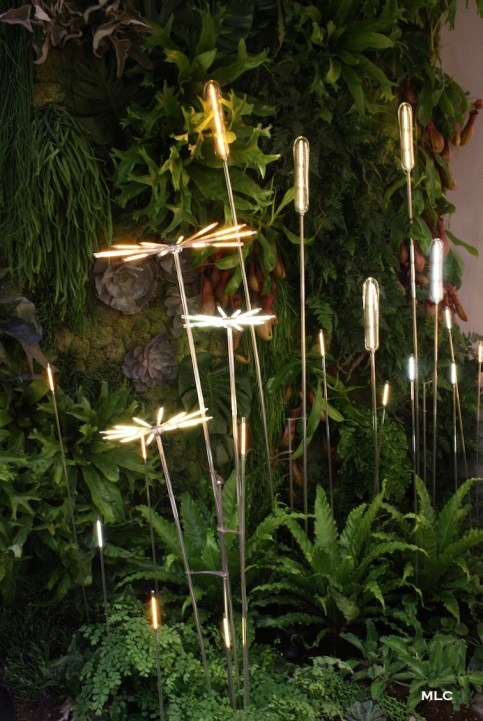 joli-luminaire-design-fleur-en-verre