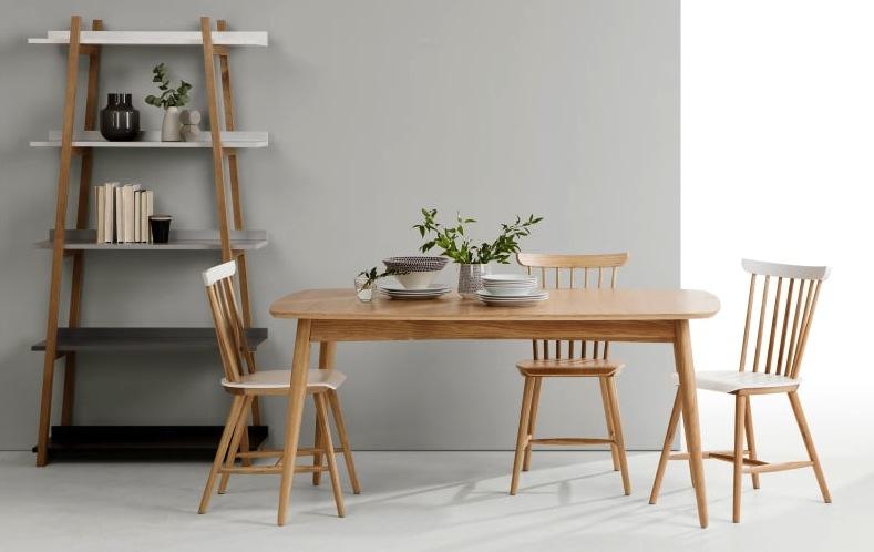 chaise-en-bois-scandinave-dossier-barreaux-cuisine-bureau