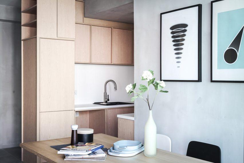 placard-sur-mesure-salle-a-manger-cuisine-bois-studio-kevin-jaak