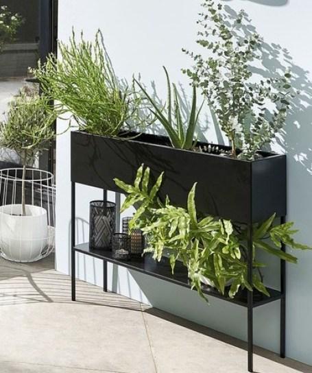 jardiniere sur pied metal noir terrasse