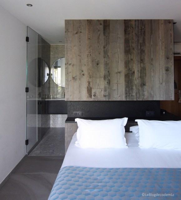 deco-chambre-hotel-corse-lambris-et-design
