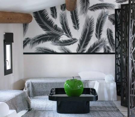 papier-peint-feuille-chambre-motif-noir-et-blanc