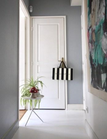 parquet-blanc-repeint-deco-couloir