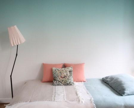 chambre-ado-calme-avec-papier-peint-panoramique-vert