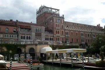 L'hôtel Excelsior dans lequel a lieu certains événements de la Mostra.