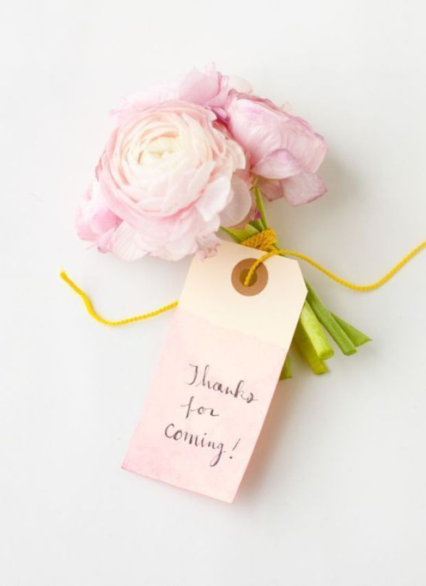 dip-dyed-diy-tags-with-pink-bouquet2