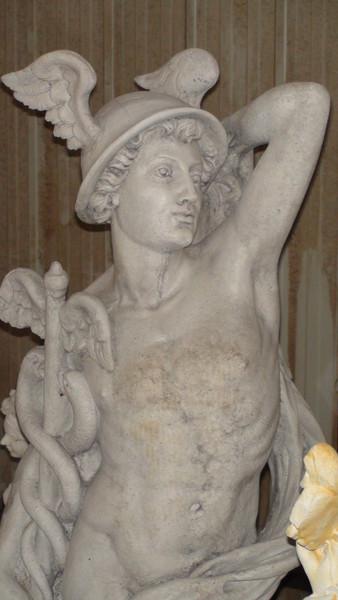 Statue de jardin en pierre Dieu Mercure  Le bon vivre
