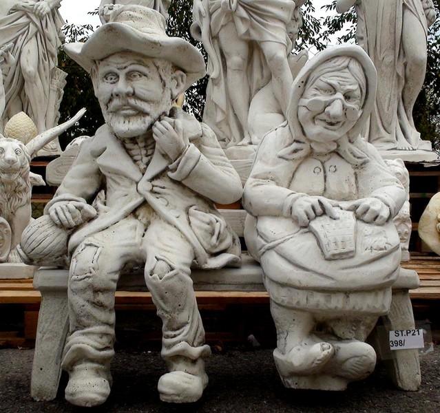 Statue de jardin en pierre Couple Petits Vieux Assis sur