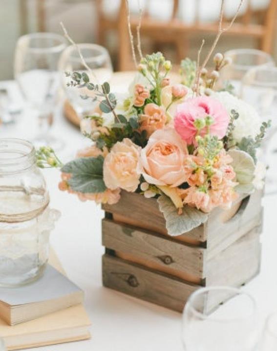 Des caisses en bois pour une d co vintage de votre Vernir table bois