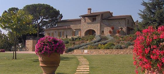 Podere Le Cantine  Agriturismo con piscina in Toscana a Lucignano  Arezzo  Valdichiana