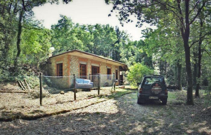 Casa rustica nel bosco a Narni