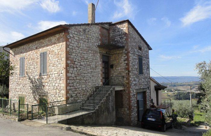 casa indipendente Todi san Damiano