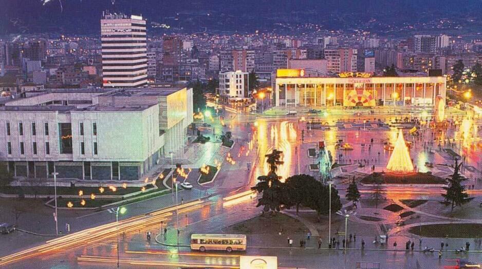 Notre dernière étape en Albanie sera la capitale ; Tiranë