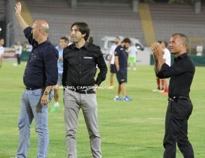 dirigenti U.S. Lecce in campo saluto alla Curva Sticchi Trinchera Liguori