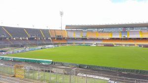 stadio-via-del-mare-tribuna-centrale-e-curva-sud