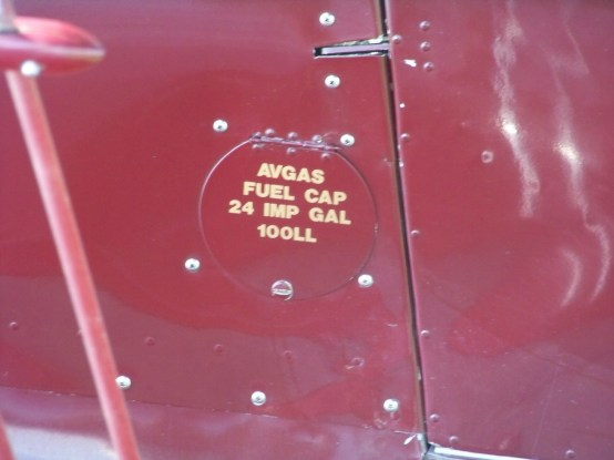 Beechcraft D.17S Staggerwing F-GUZZ 0040