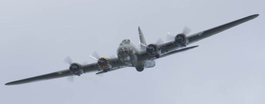 Boeing B-17 Fortress G-BEDF Flying Legends 2015 - 02