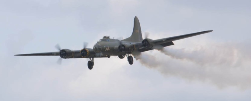 Boeing B-17 Fortress G-BEDF Flying Legends 2015 - 05