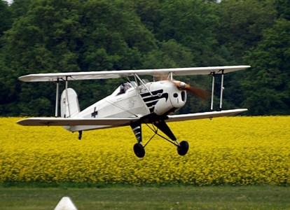 Bucker Bu 131 Jungmann F-AZGG 2 (Photo Aerofosille (CC BY-NC-ND 2.0))