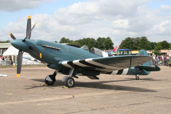 Spitfire XIX PS890 F-AZJS ( Photo © Benjamin Gilbert )