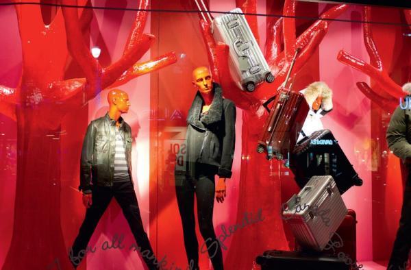 visual merchandising-mannequins
