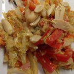 Chinakohl, Möhren, Paprika mit Erdnuss Tamarinden Ingwer Dressing