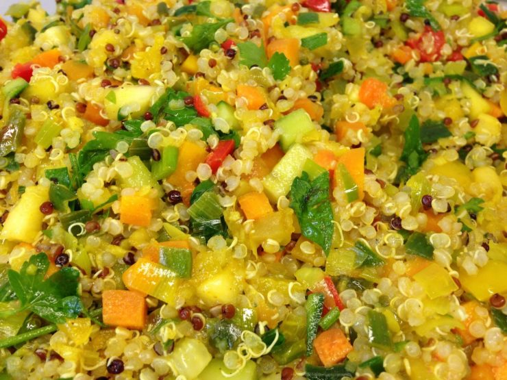 Quinoa Mango Salat