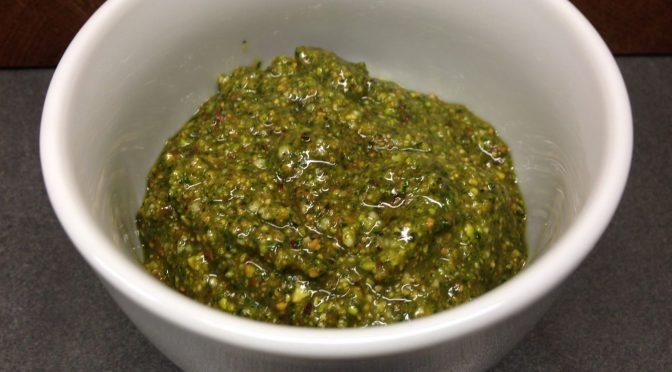 Pistazien Minze Pesto mit Cashew Parmesan